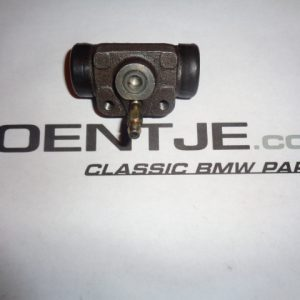 Remcilinder achter BMW 02
